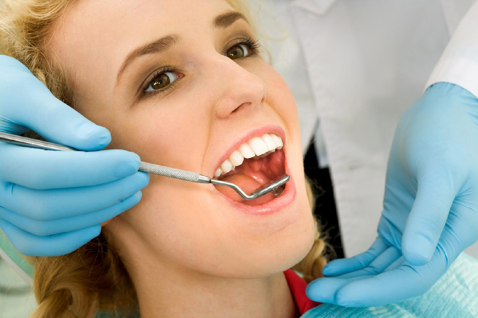 Teeth cleaning, whitening and veneers in Lynnfield, MA